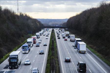 mechanizmy rynkowe a transport samochodowy